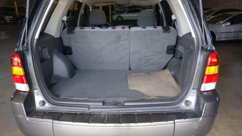 Ford Escape 2005 price $3,995