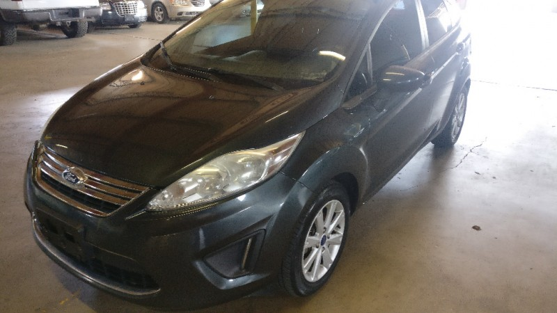 Ford Fiesta 2011 price $4,495 Cash