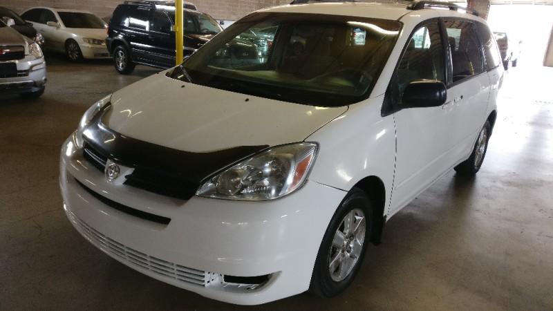 Toyota Sienna 2004 price $3,995 Cash