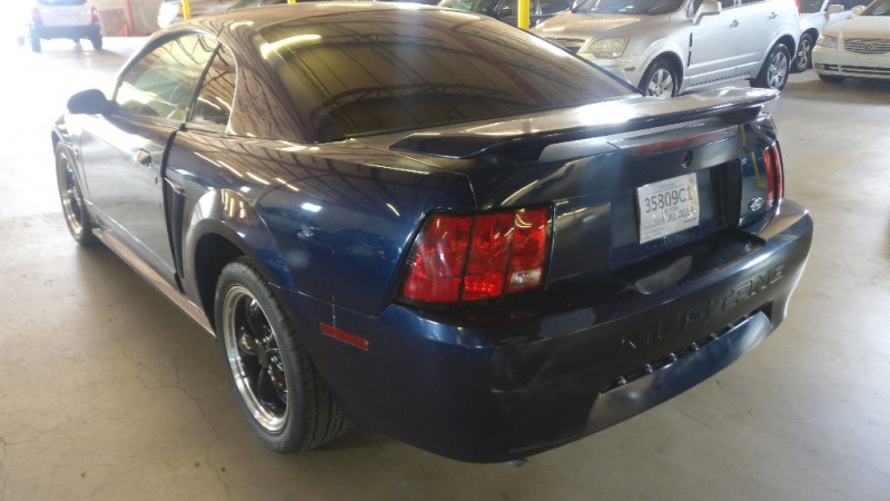 Ford Mustang 2002 price $1,995 Cash