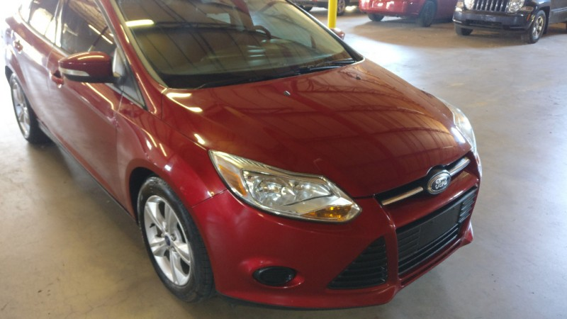 Ford Focus 2013 price $7,995 Cash