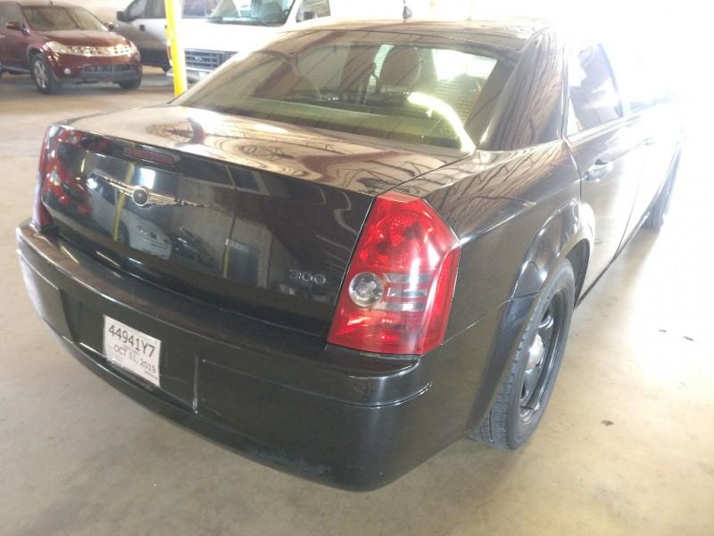 Chrysler 300 2008 price $3,995 Cash