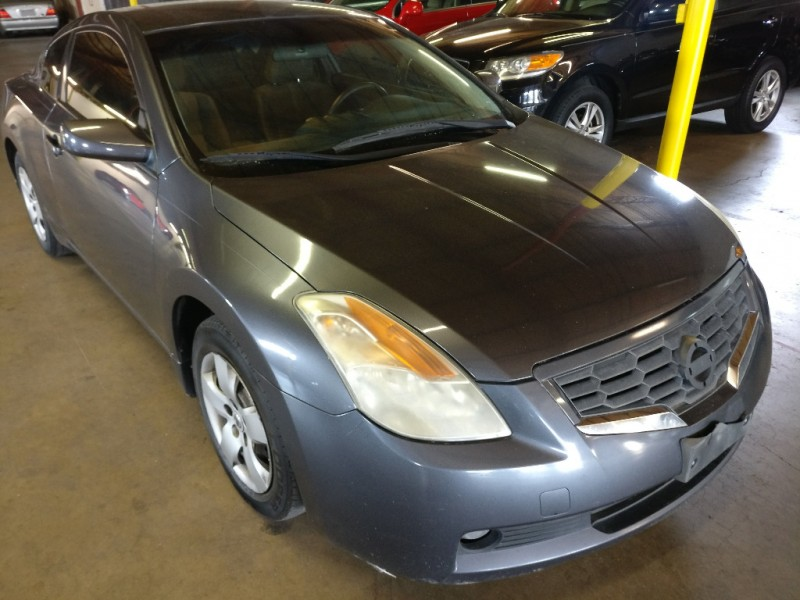 Nissan Altima 2008 price $4,495 Cash