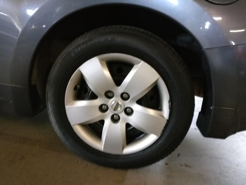 Nissan Altima 2008 price $4,495 Cash