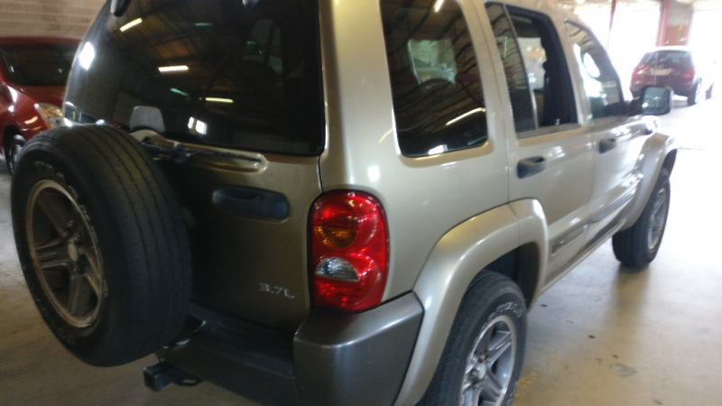 Jeep Liberty 2004 price $3,995 Cash