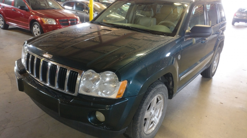 Jeep Grand Cherokee 2005 price $3,995 Cash