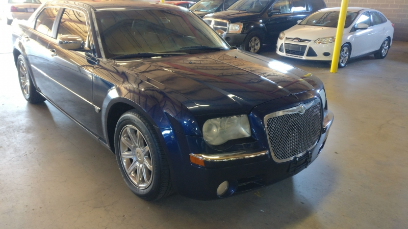 Chrysler 300 2006 price $4,995 Cash