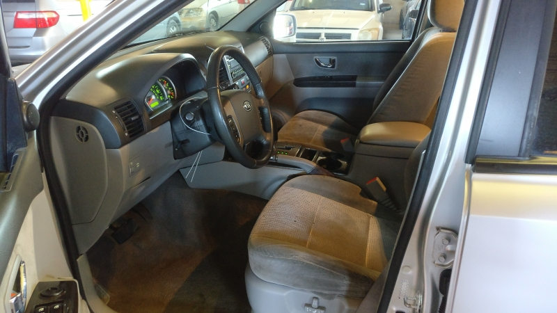 Kia Sorento 2008 price $3,995 Cash