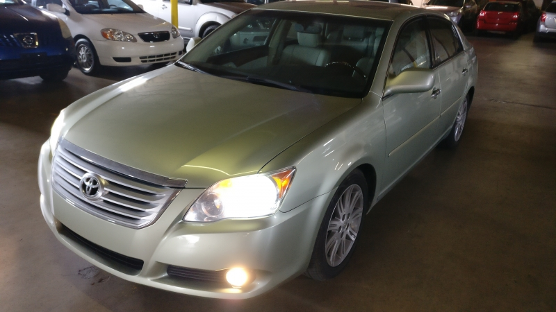 Toyota Avalon 2009 price $6,995 Cash