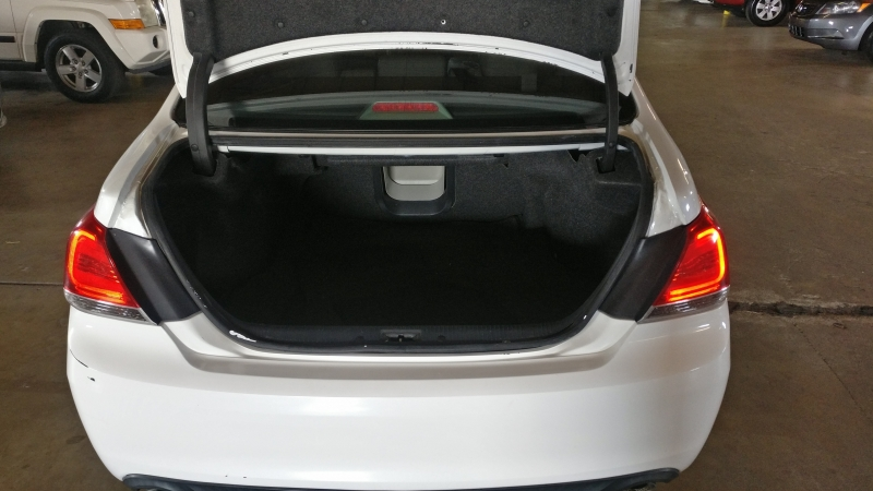 Toyota Avalon 2011 price $7,995 Cash