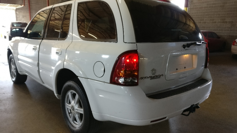 Oldsmobile Bravada 2004 price $1,995 Cash