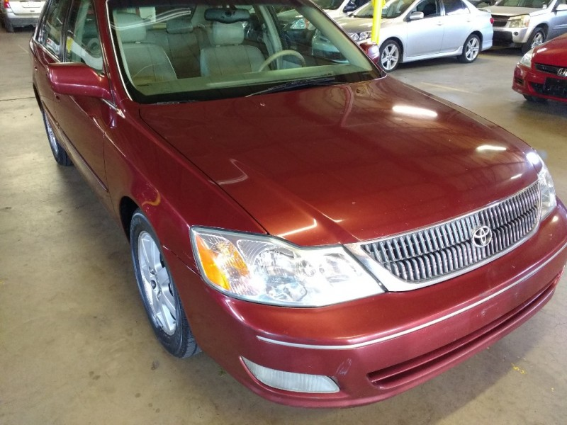 Toyota Avalon 2002 price $2,995