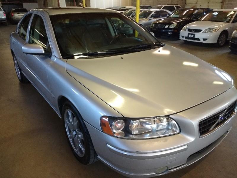 Volvo S 60 2005 price $3,995 Cash