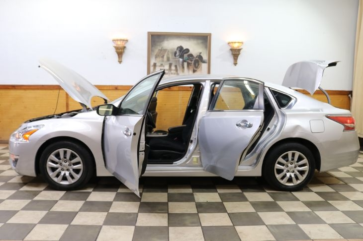 Nissan Altima 2015 price $8,700