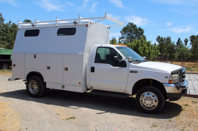 Ford F550 2002 price $11,975