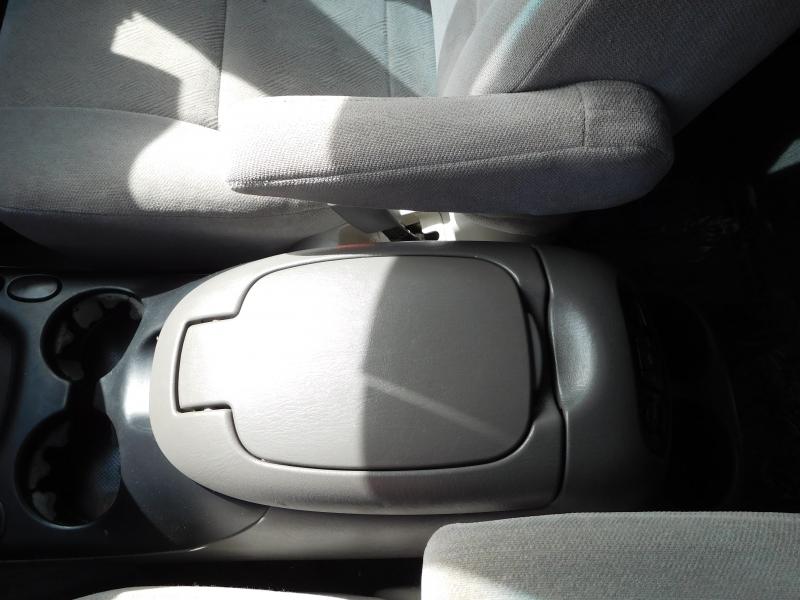 Toyota SEQUOIA 2004 price $9,995