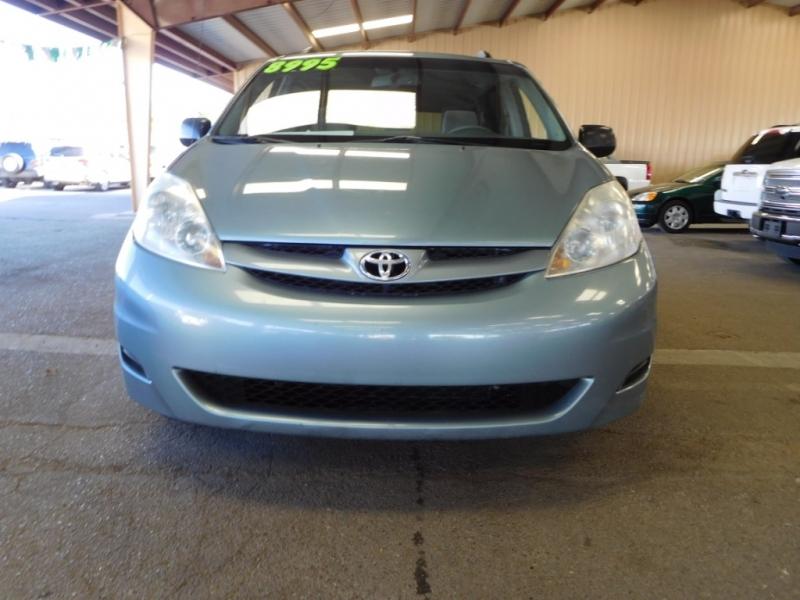 Toyota Sienna 2007 price $8,995