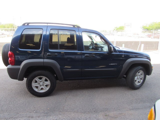 Jeep Liberty 2004 price $5,995