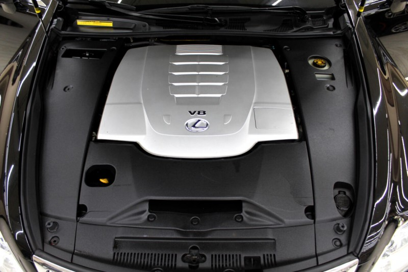Lexus LS 460 2011 price $13,995