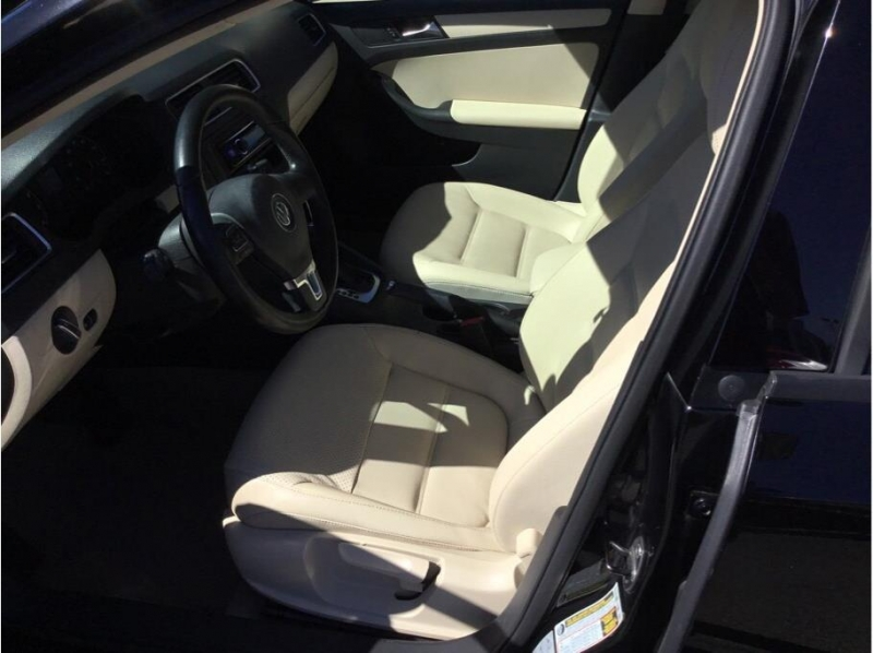 Volkswagen Jetta 2011 price $6,995