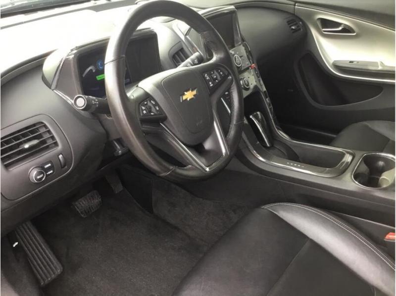 Chevrolet Volt 2013 price $8,995
