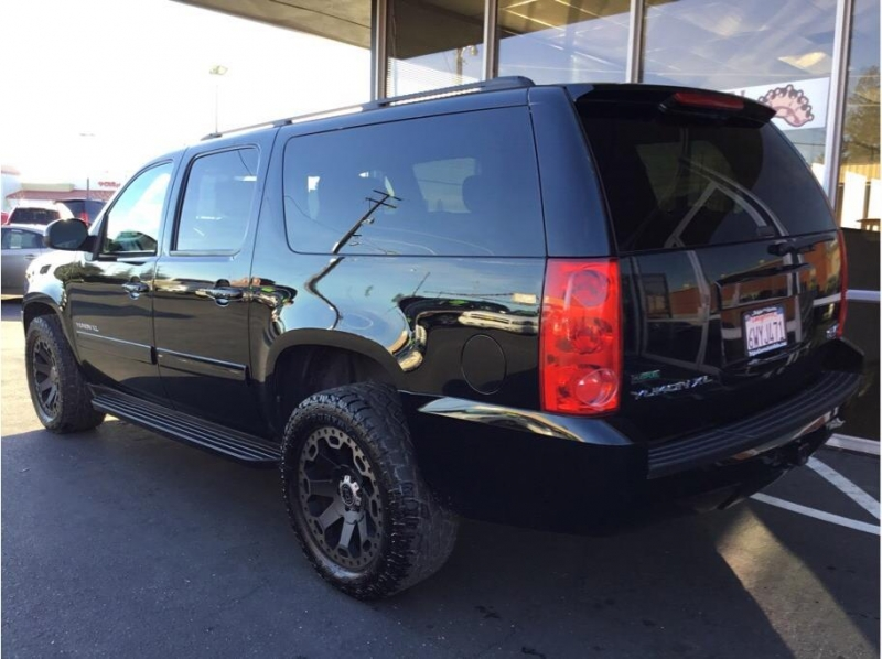 GMC Yukon XL 1500 2011 price $15,995