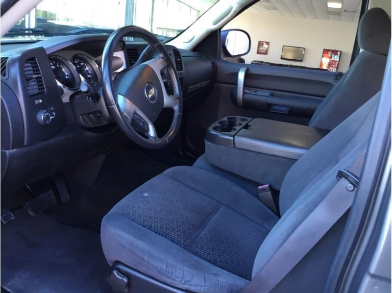 Chevrolet Silverado 1500 Crew Cab 2007 price $15,995