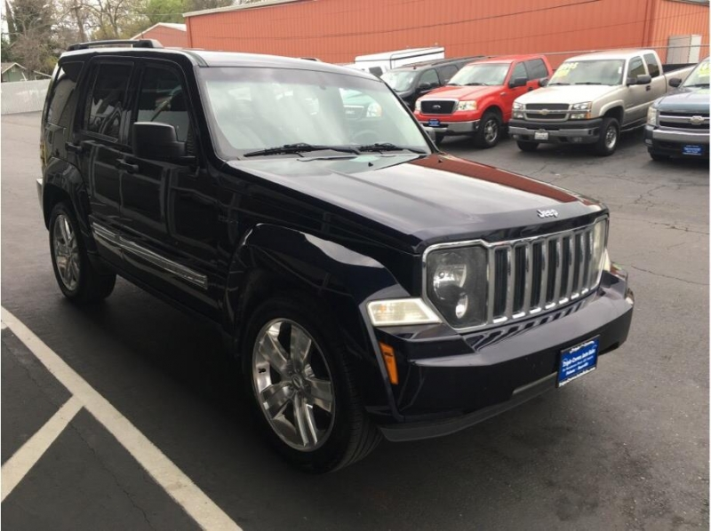 Jeep Liberty 2011 price $8,995