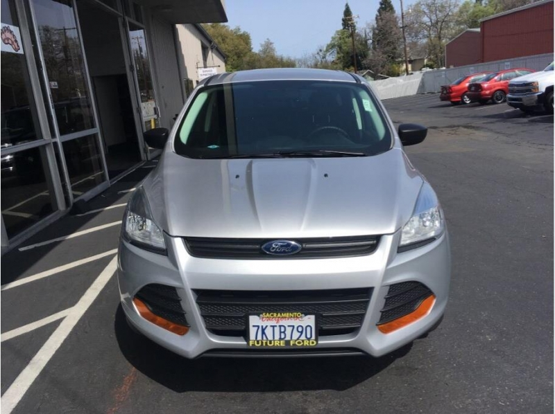 Ford Escape 2015 price $10,995