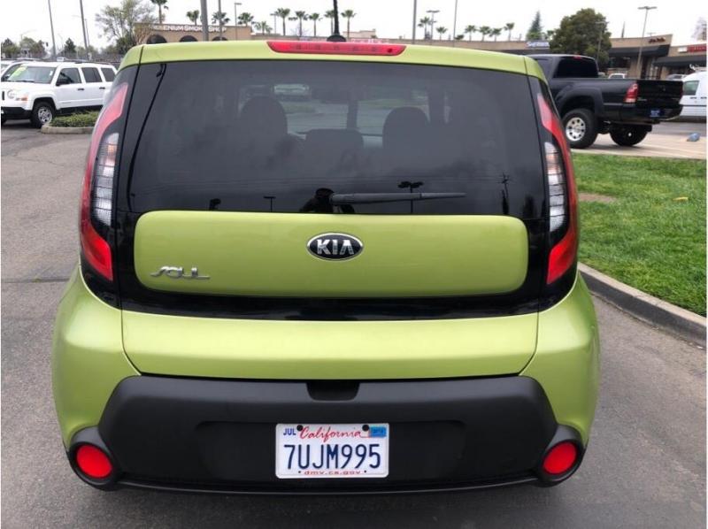 Kia Soul 2015 price $10,995