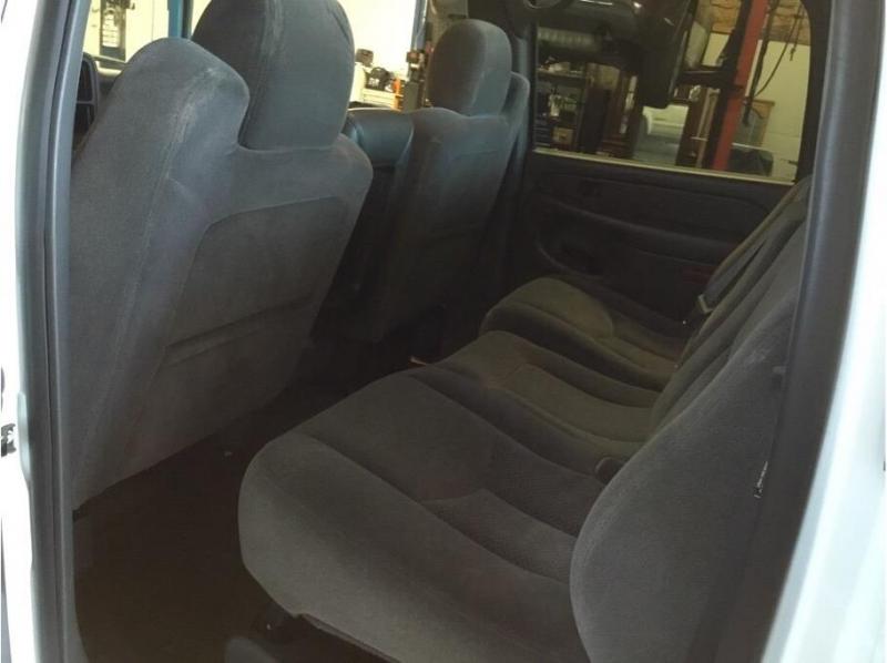 Chevrolet Silverado 2500 HD Crew Cab 2005 price $13,995