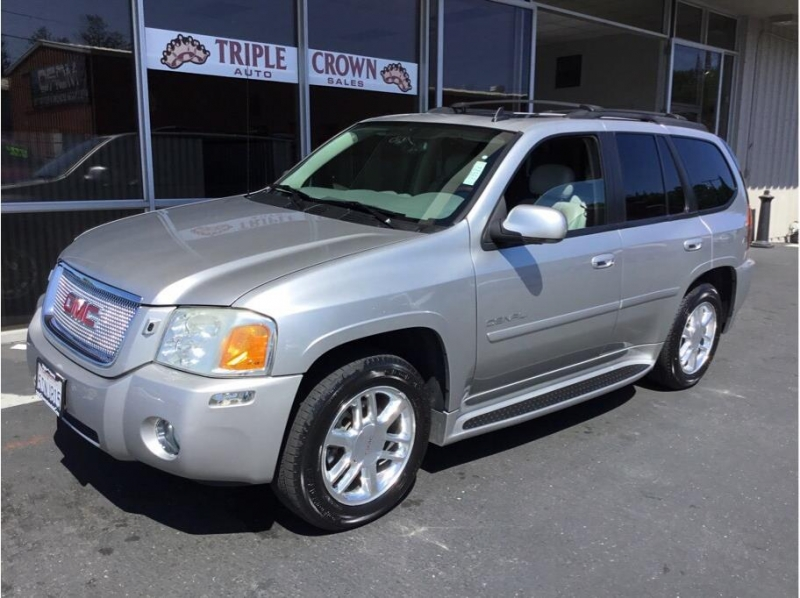 GMC Envoy 2006 price $10,995