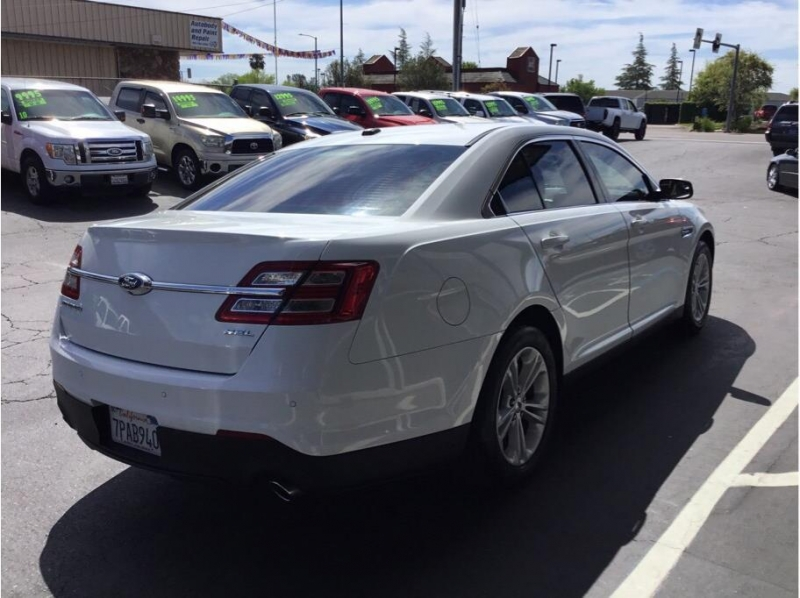 Ford Taurus 2015 price $11,995