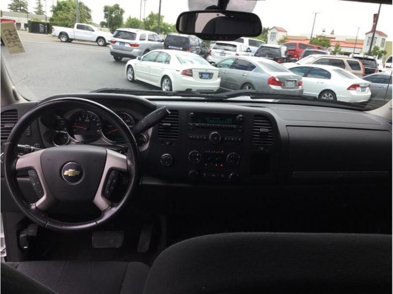 Chevrolet Silverado 1500 Crew Cab 2011 price $18,995