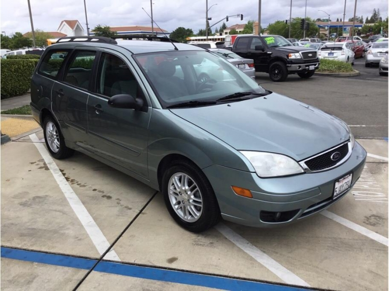 Ford Focus 2005 price $3,995