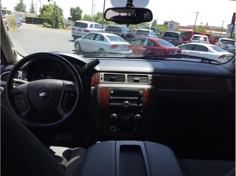 Chevrolet Suburban 1500 2009 price $11,995