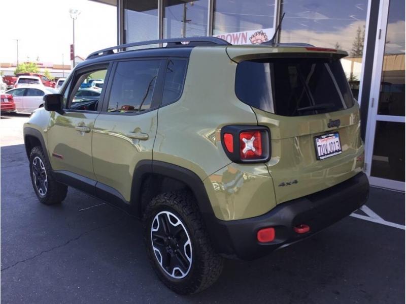 Jeep Renegade 2015 price $15,995