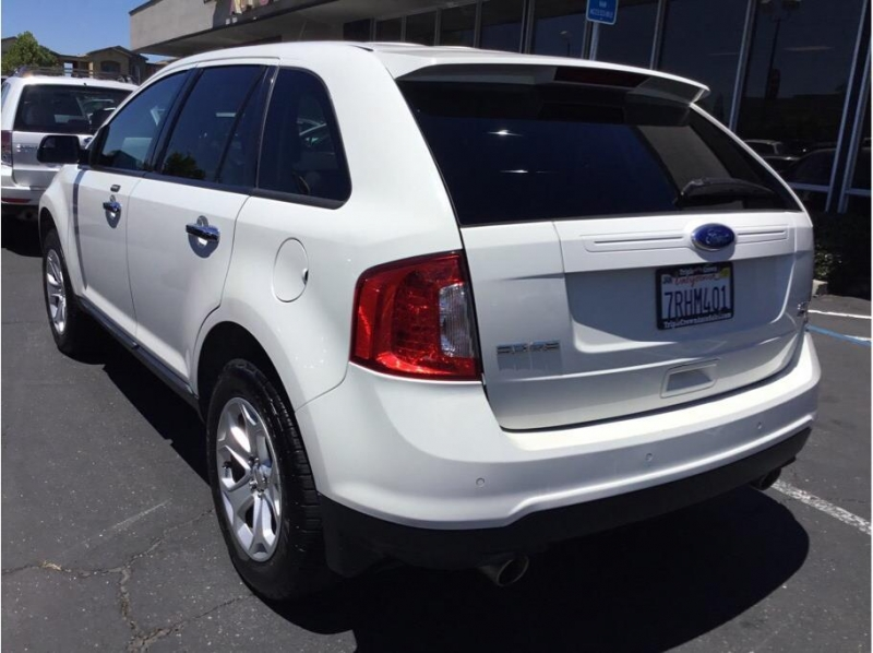 Ford Edge 2011 price $7,995