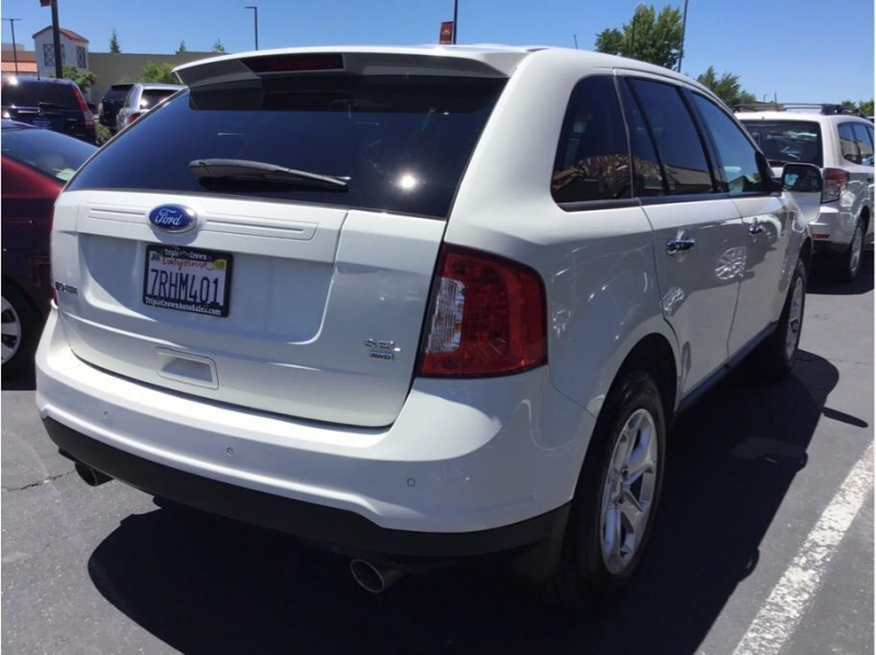 Ford Edge 2011 price $8,995