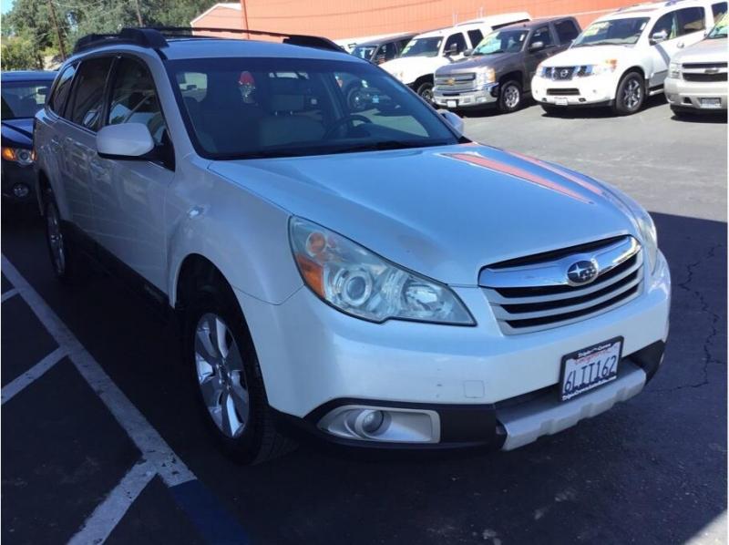 Subaru Outback 2010 price $7,995
