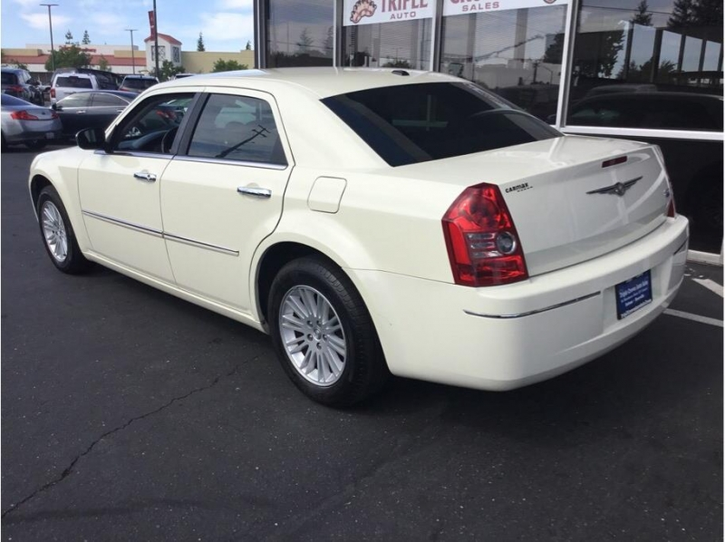 Chrysler 300 2010 price $5,995