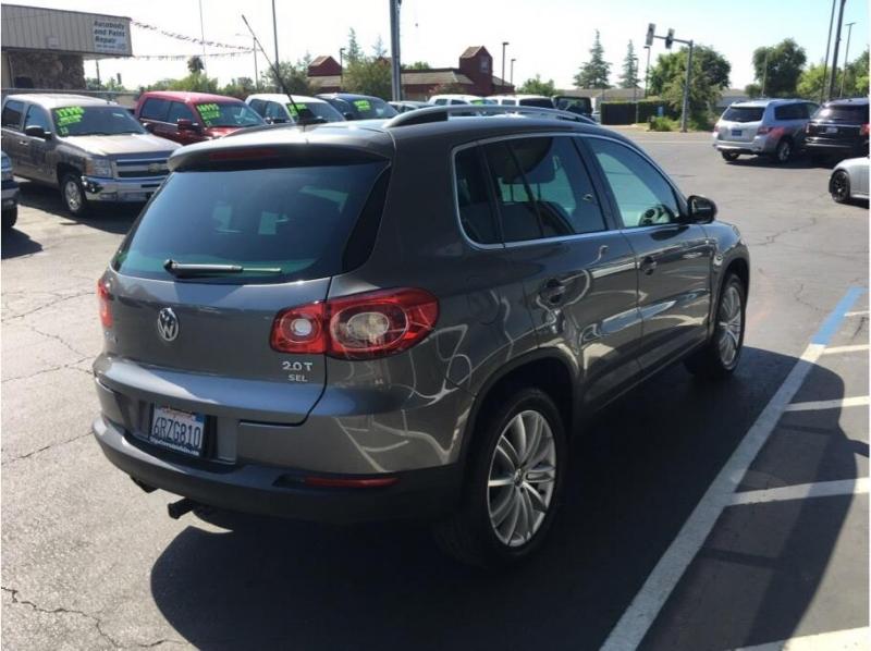 Volkswagen Tiguan 2011 price $7,995