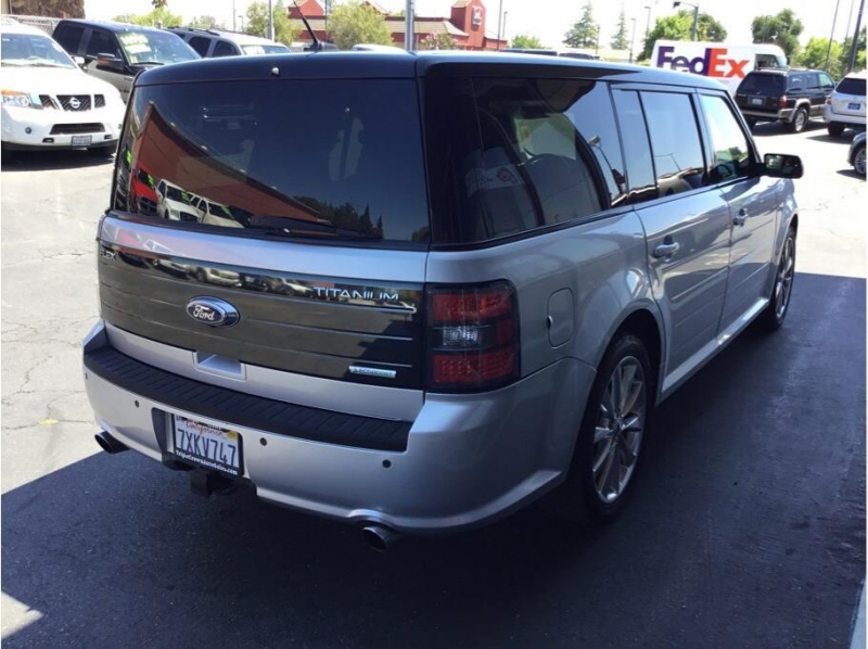 Ford Flex 2011 price $10,995