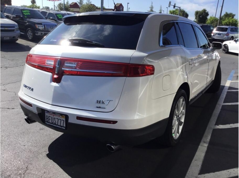 Lincoln MKT 2012 price $14,995