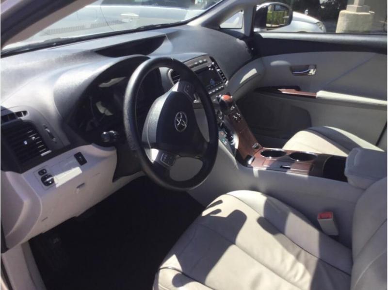Toyota Venza 2010 price $8,995