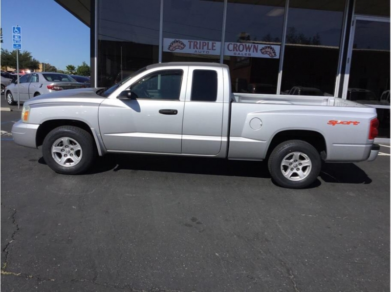 Dodge Dakota Club Cab 2006 price $9,995