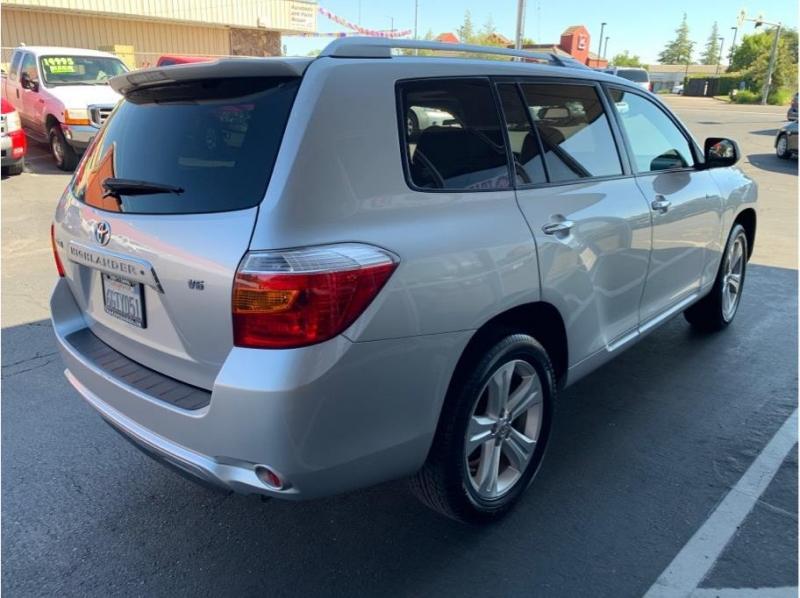 Toyota Highlander 2008 price $9,995