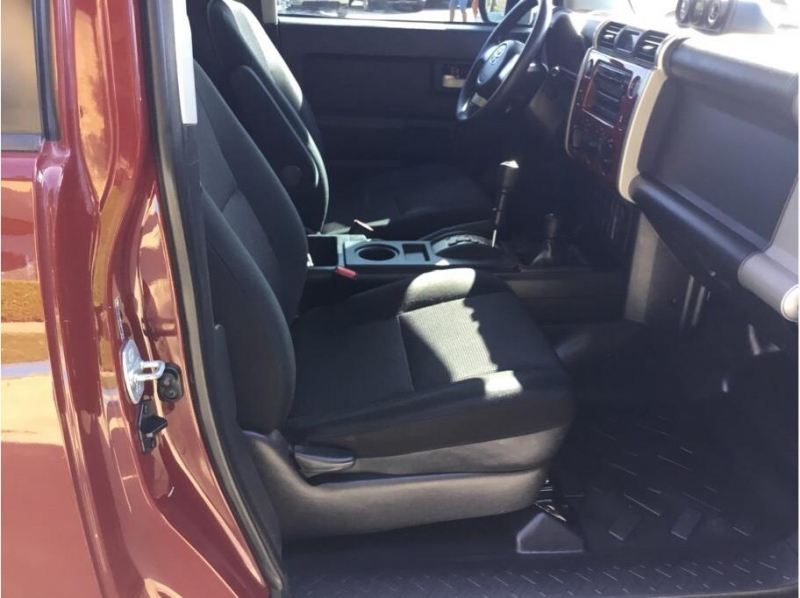 Toyota FJ Cruiser 2010 price $19,995