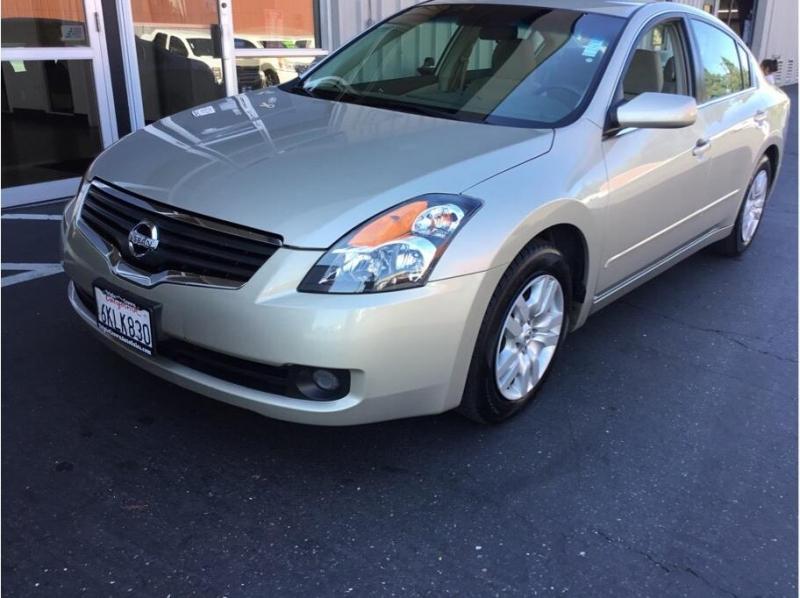 Nissan Altima 2009 price $6,995
