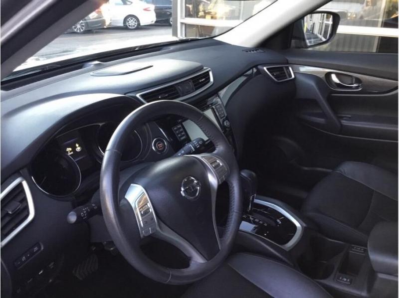 Nissan Rogue 2015 price $15,995